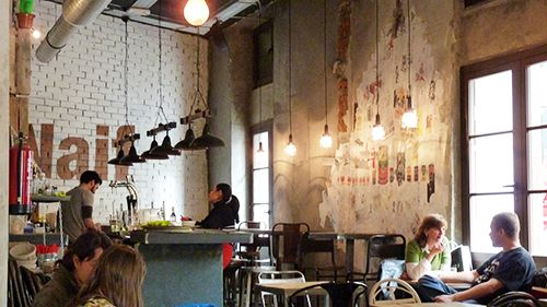naif madrid restaurante hamburgueseria malasaña interior decoracion