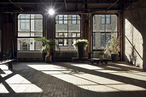plantas ventanales espacio amplio estilo industrial ideas decoracion plantas verdes interior