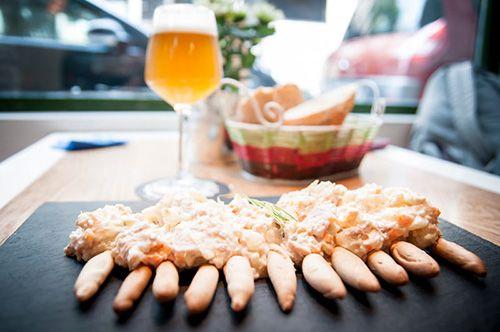 ensaladilla la tape madrid malasaña taperia restaurante cerveceria