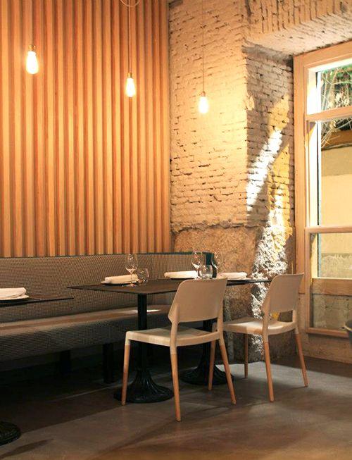 interior perrito faldero madrid restaurante