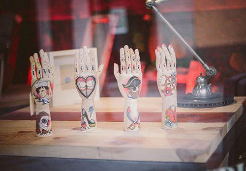 manos madera decoracion tienda erre emme madrid
