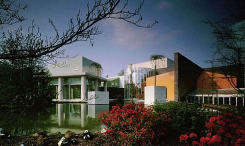 casa mourmans belgica diseño arquitectura ettore sottsass