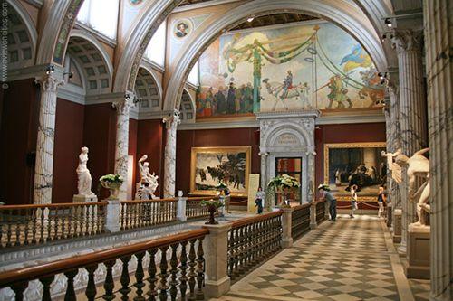 interior edificio museo nacional de estocolmo suecia arte