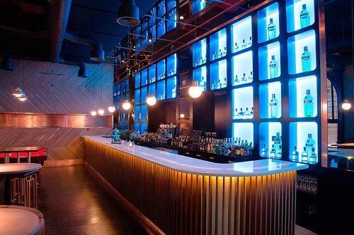 barra de bar de noche (2)
