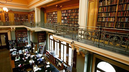 biblioteca victoria and albert museo londres