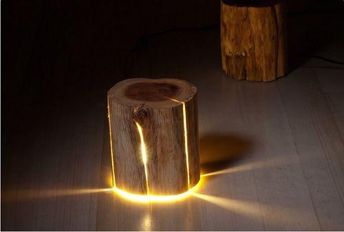 lampara en un tronco
