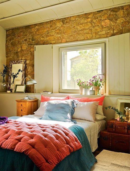 pared rustica dormitorios otoño