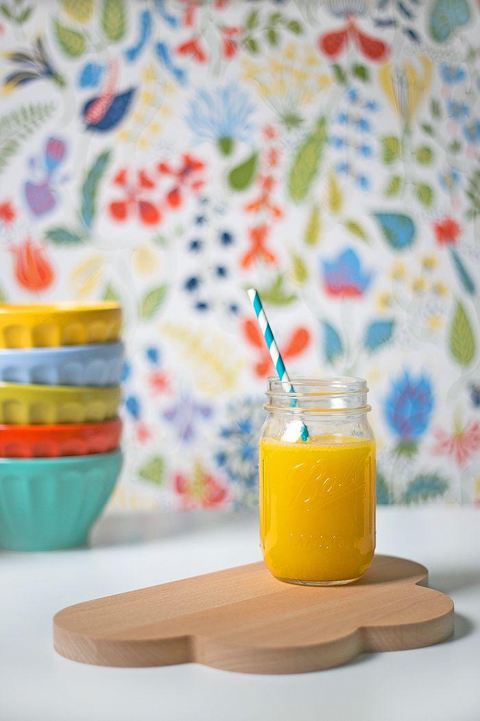 zumo de naranja en bote conserva