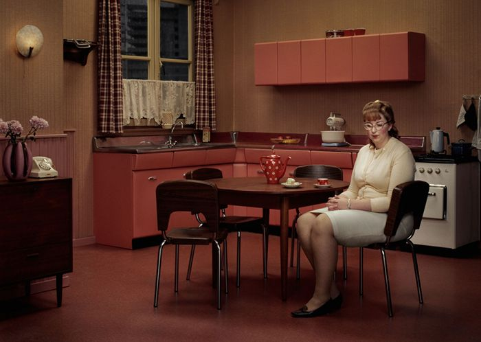 erwin olaf fotografia hope esperanza cocina roja señora sola