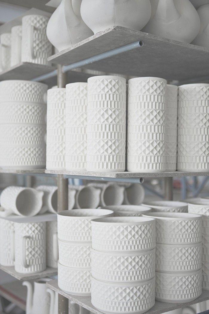 piezas porcelana blanca sargadelos relieve fábrica