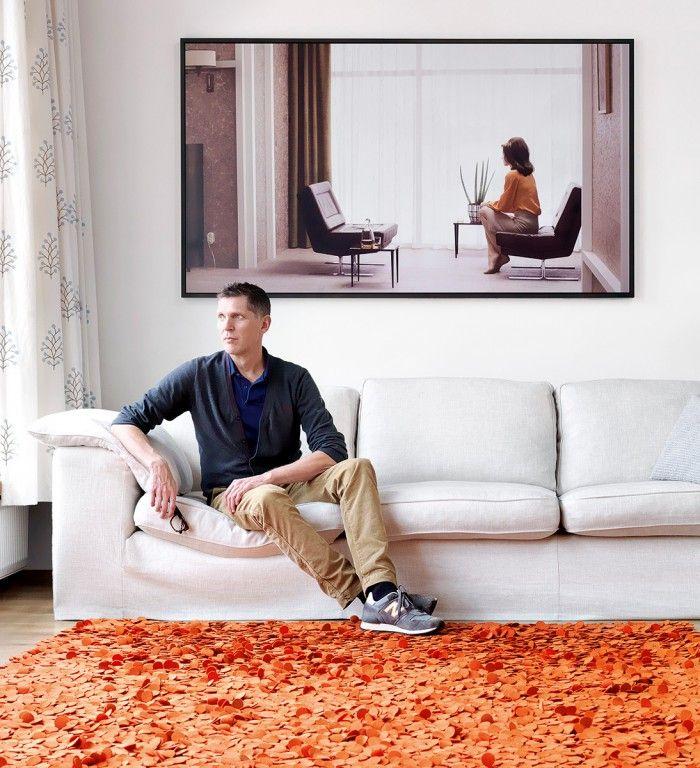 erwin olaf fotografo en su casa sofa retrato