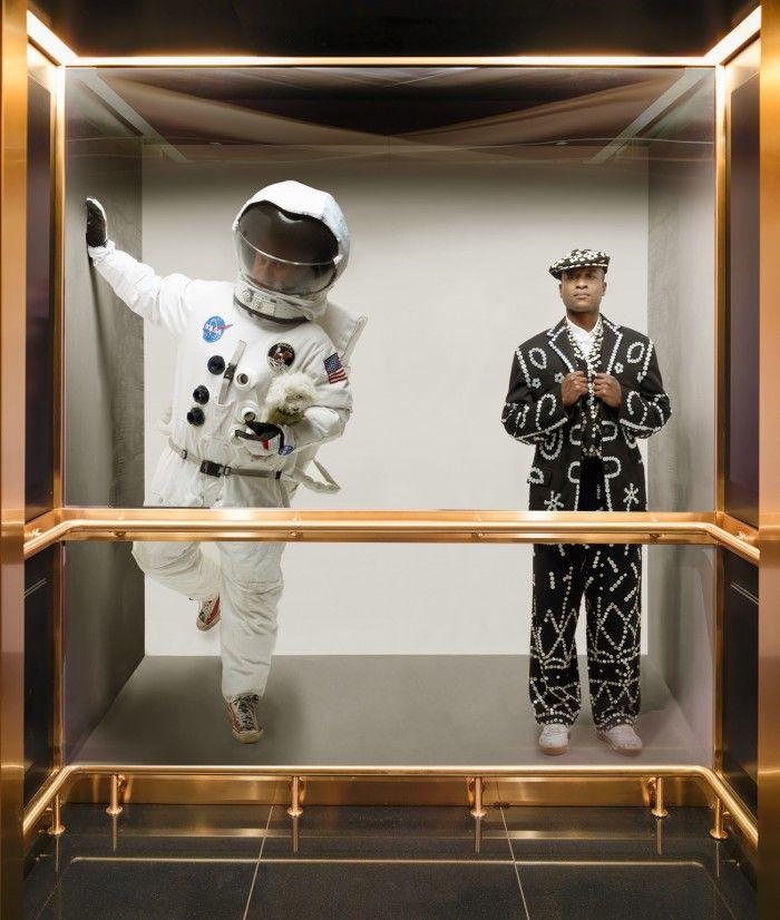 hotel mondrian londres ascensor arte astronauta diseño