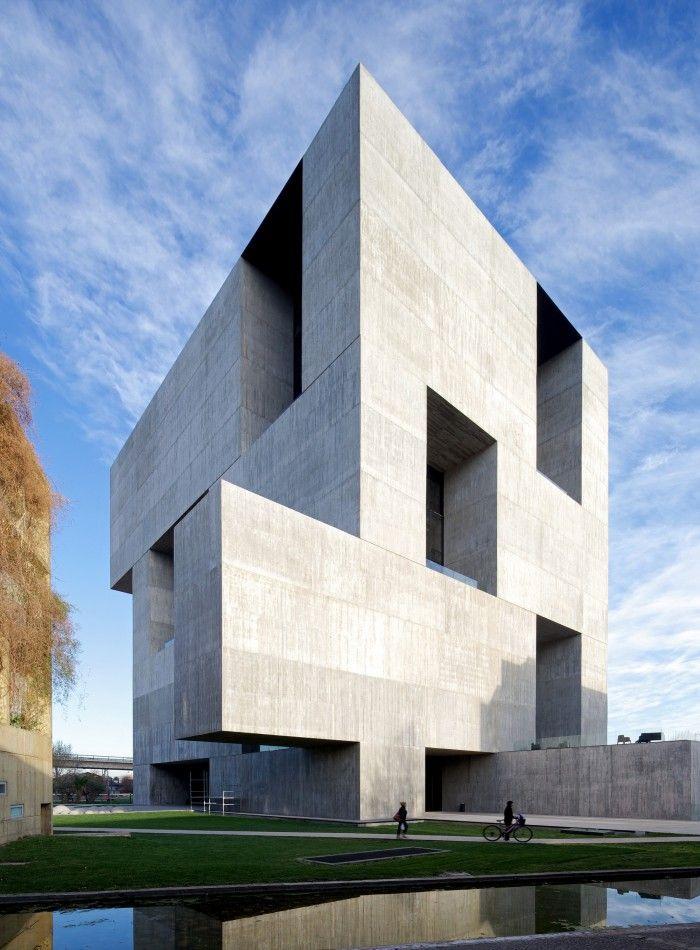 centro de innovacion de la uc universidad de chile alejandro aravena obra premio pritzker 2016