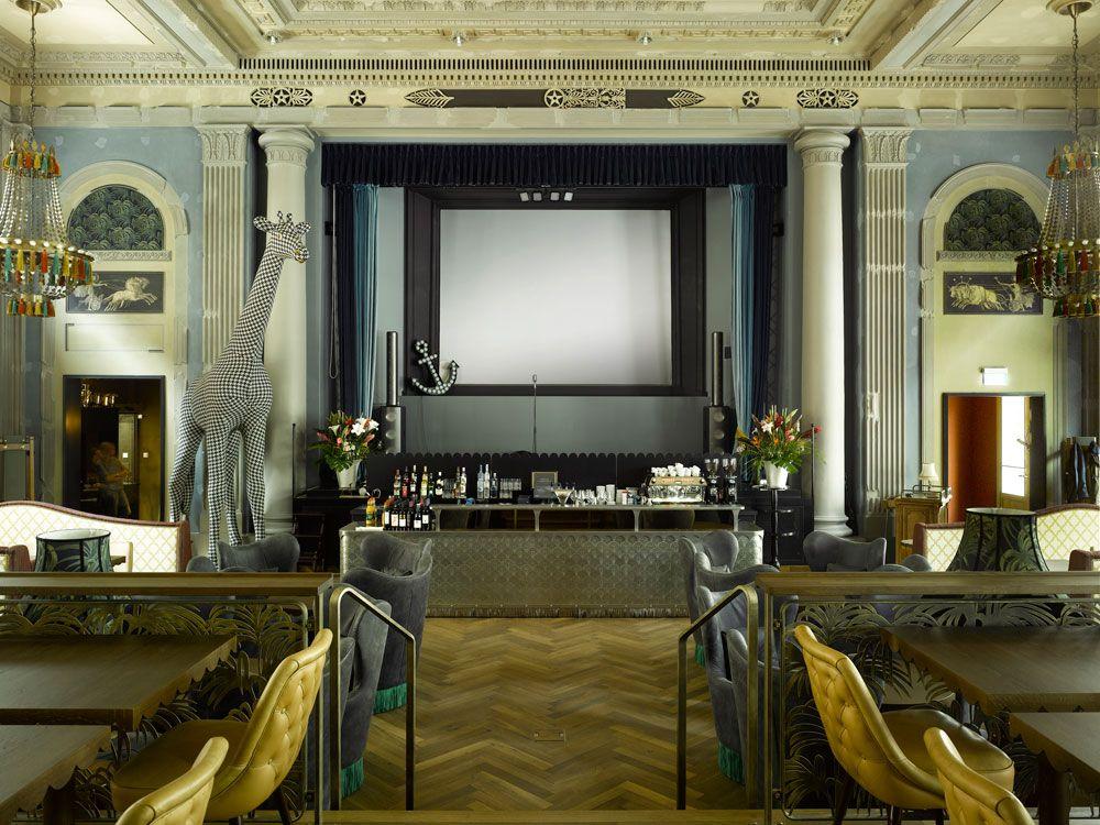 Interior del restaurante Razzia en Zurich