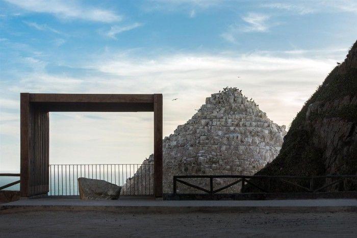 zocalo turistico en constitucion chile obra alejandro aravena premio pritzker 2016 arquitecto chileno