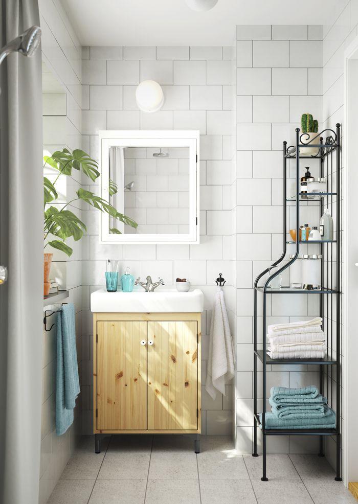 baño madera virgen y blanco catalogo IKEA 2017