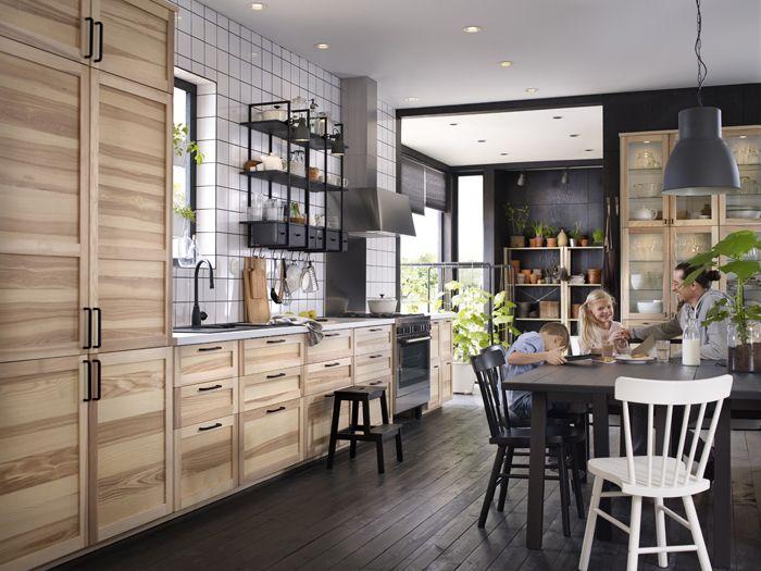 cocina en madera natural catalogo IKEA 2017