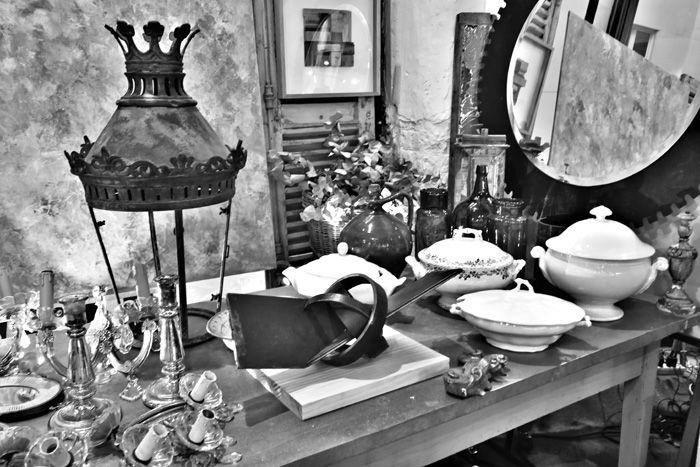 cosas antiguas en blanco y negro