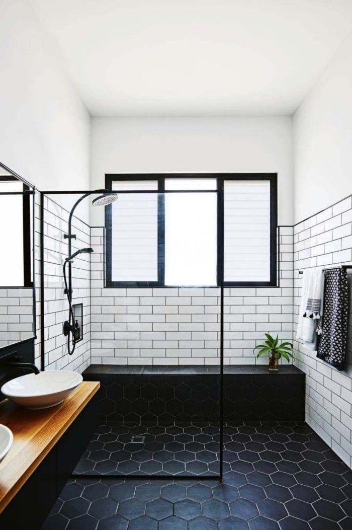 Reforma baño en negros y blancos