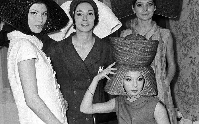 mujeres en la moda