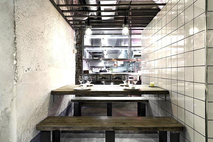 mesa interior cocina restaurante fismuler