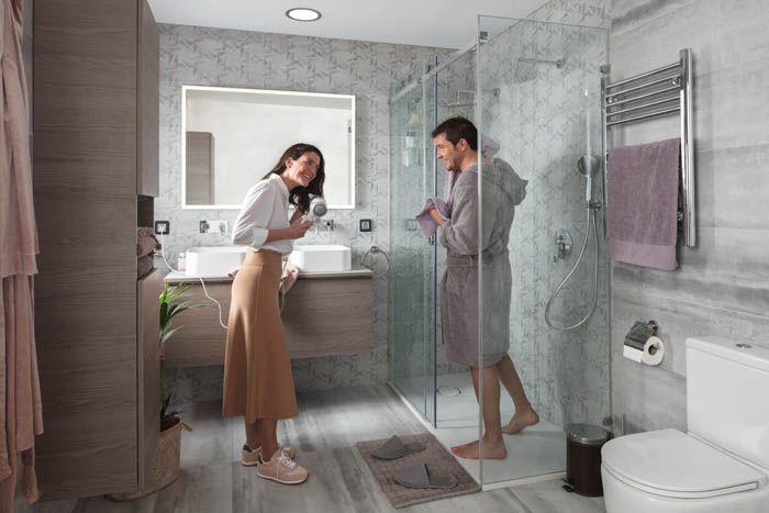paraja en cuarto de baño alicatado geometrico