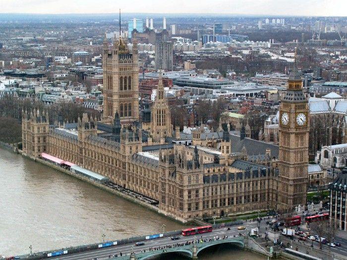 parlamento uk estilo victoriano