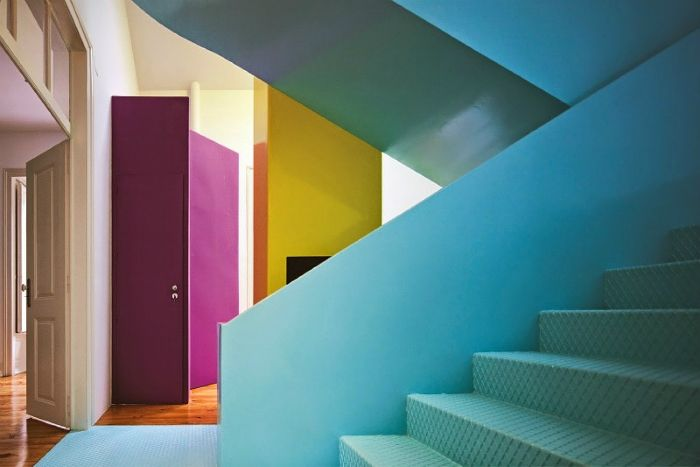 interior casa colores llamativos