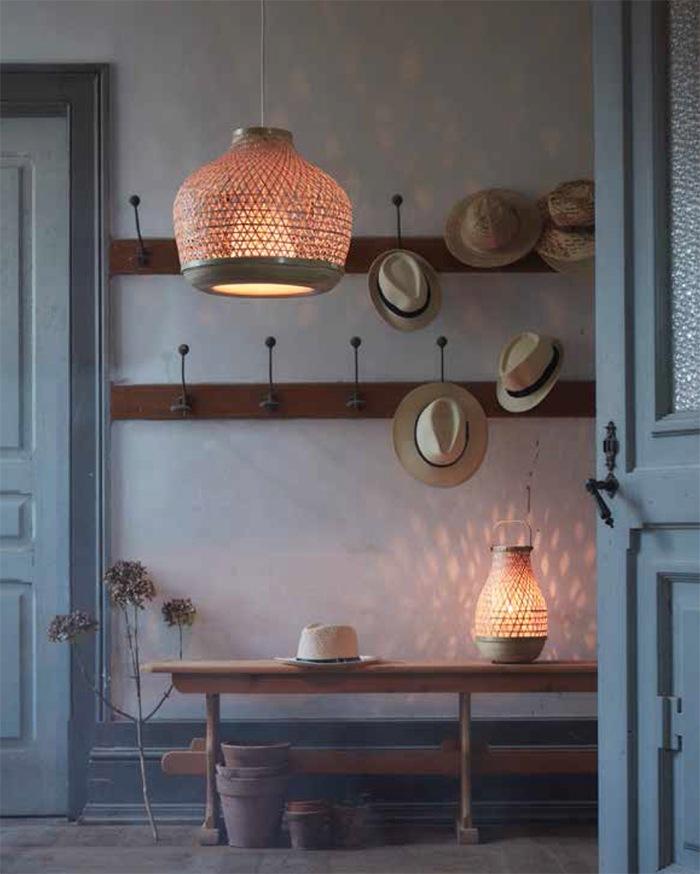 Lámpara de techo Lámpara de mesa IKEA verano 2020