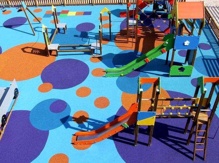 Mobiliario urbano pavimento parque infantil