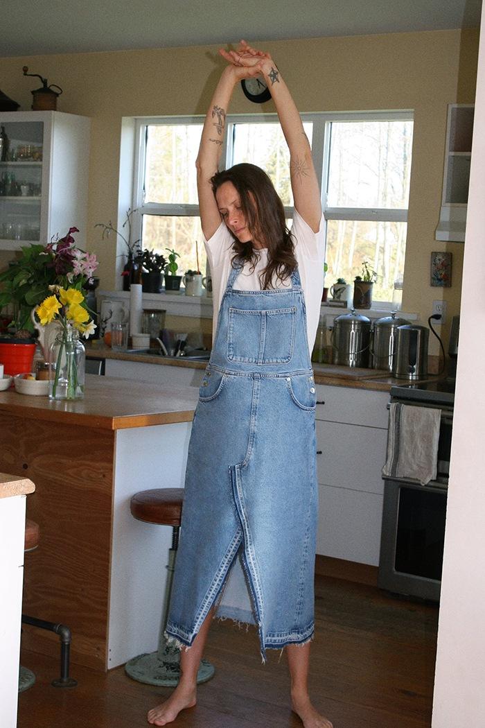 modelo zara en su cocina