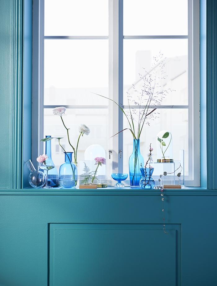jarrones azules decoracion ventana