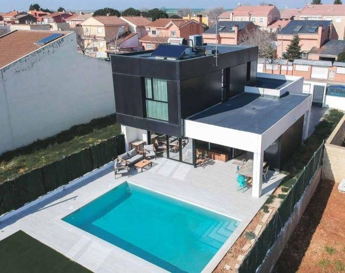 Casa prefabricada con piscina