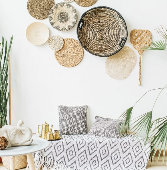 sala de estar con manta bohemia