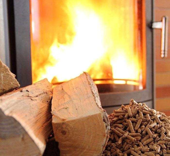 7 Chimeneas de pellets de diseño para calentar tu hogar en los días de frío