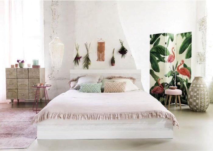 Gran cama para tu dormitorio de estilo exótico