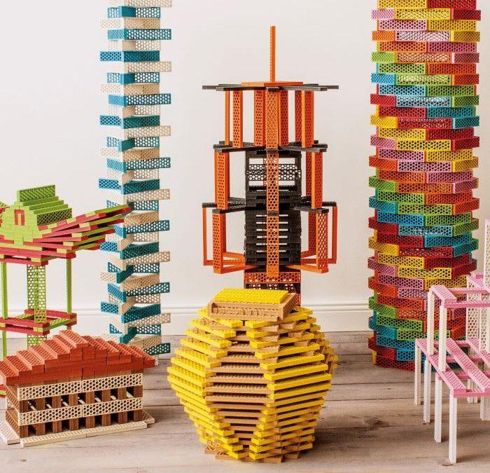 Alegría y diversión para los niños con juguetes de madera