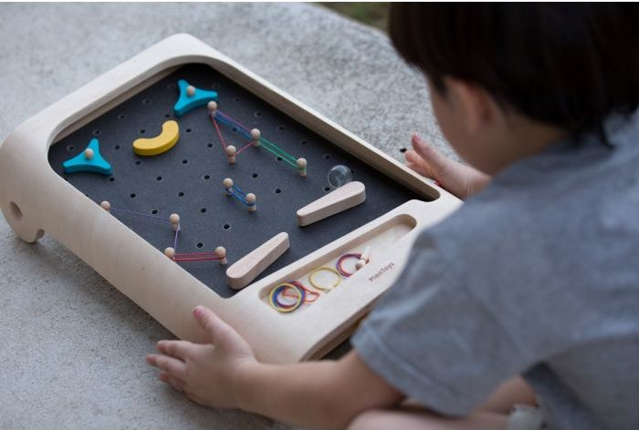 Pinball de madera para jugar en casa